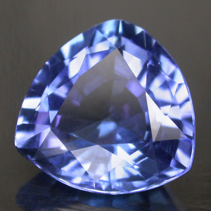 This image has an empty alt attribute; its file name is tanzanite-cut-gems-images-www.www-gems.com-68.jpg